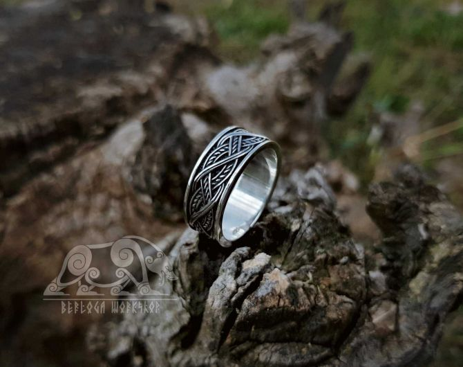 Viking Ring with Traditional Viking Ornament Sterling Silver Ring Scandinavian Norse Viking Jewelry (2)