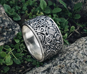 Viking Ring Great Detailed Beautiful Unique Ring Mammen\Ringerike Style Ring (design based on the San Isidoro box)