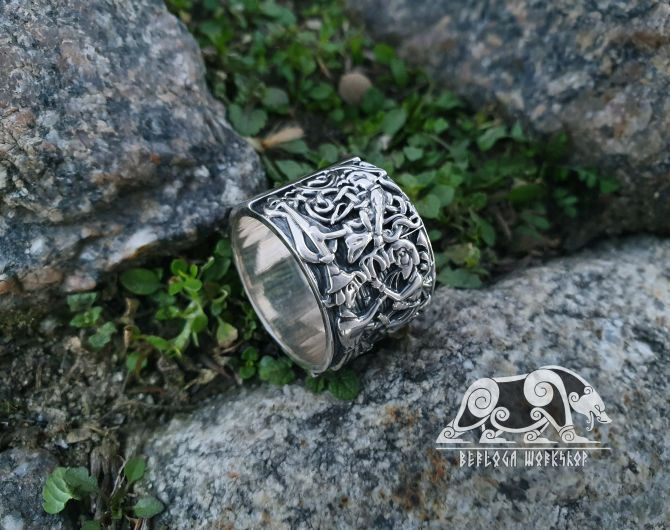 Siegfried (Sigurd) and Fafnir Ring Sigurd kills Regin (from Hylestad stave church) Viking Ring Sterling Silver Norse Ring Viking Jewelry