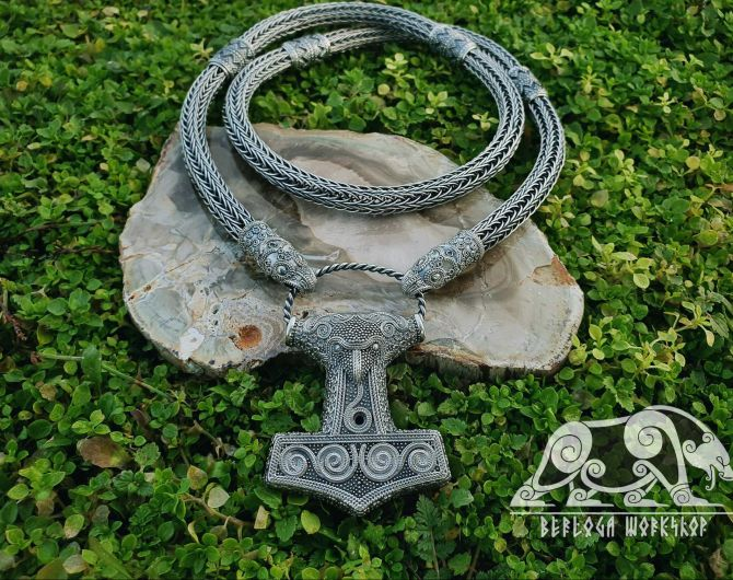 Set Raven Heads Viking Necklace Replica with Raven Thor