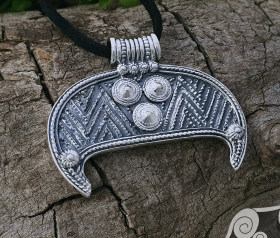 Large Lunula Pendant Woman